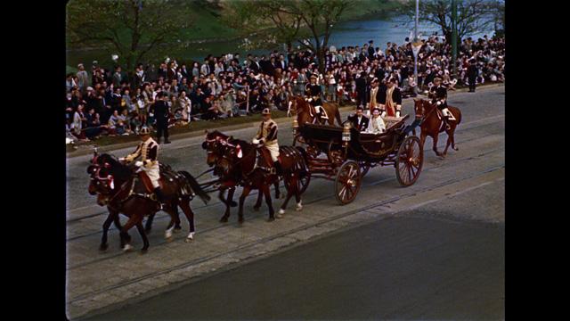写真:新春 皇室スペシャル<br>天皇陛下と美智子さま 国民に寄り添われる日々