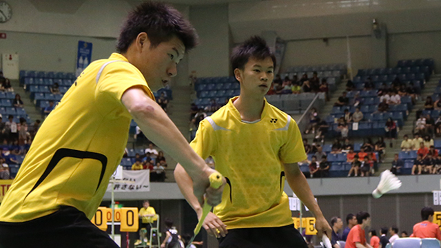 写真:JOCジュニアオリンピックカップ 第34回全日本ジュニアバドミントン選手権大会